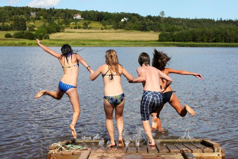 Dock fun! - Dakota's River House - Waterfront, canoes, kayaks - St. Catherines - rentals