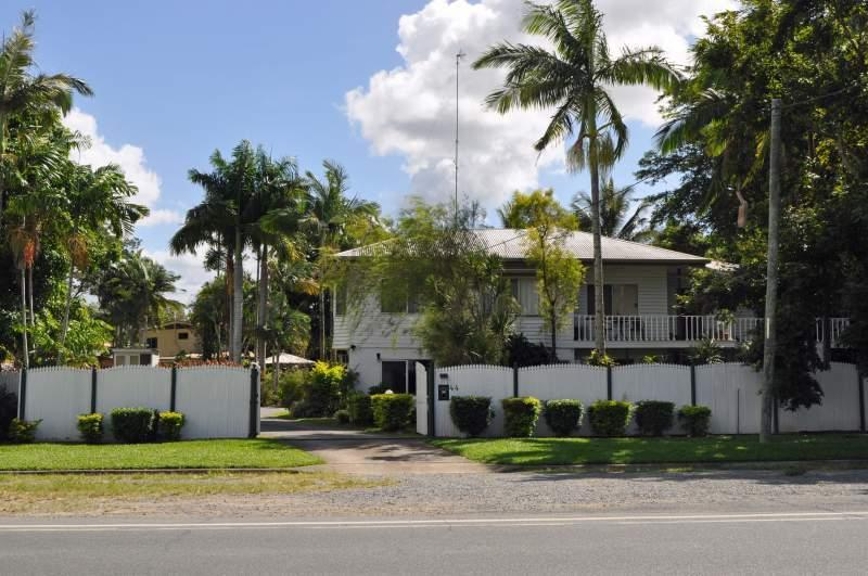 Street view of Harvester Home - Family Home for 15, Pool, close to city & shops - Cairns - rentals