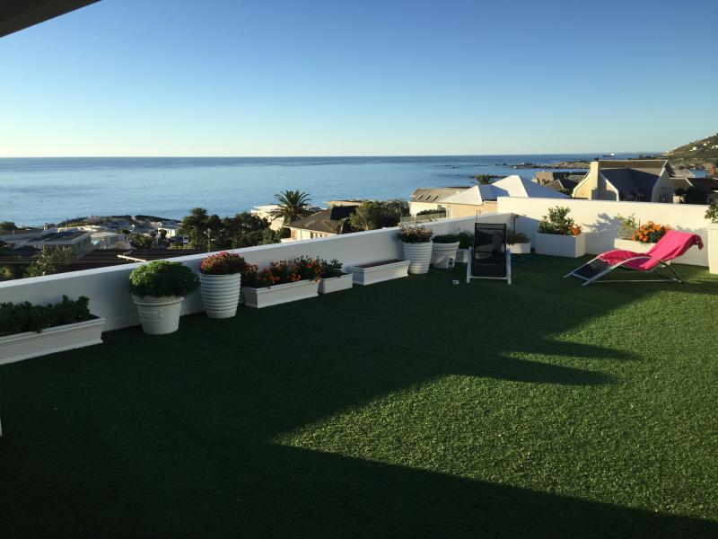 Apostle at Funkey 2B - Image 1 - Camps Bay - rentals
