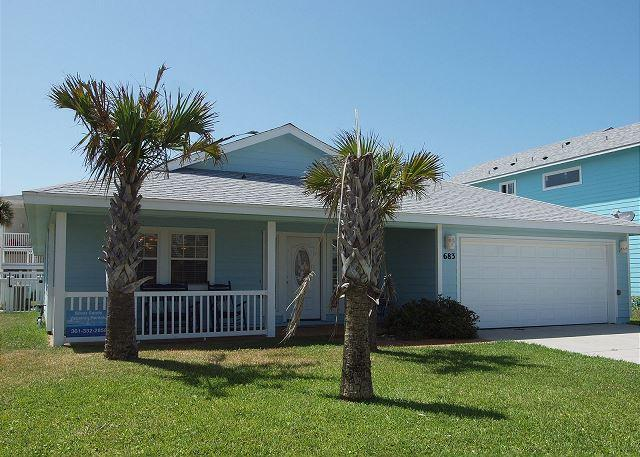 Welcome to Bluewater Cottage - Blue Water Cottage Private home, Sleeps 10-12 w/private pool! - Port Aransas - rentals