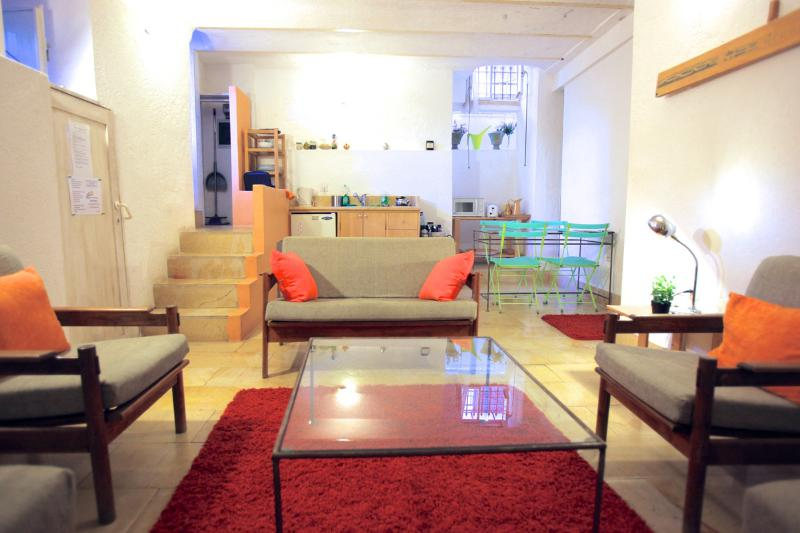 Living - The Suita - Great Location with a Courtyard - Jerusalem - rentals