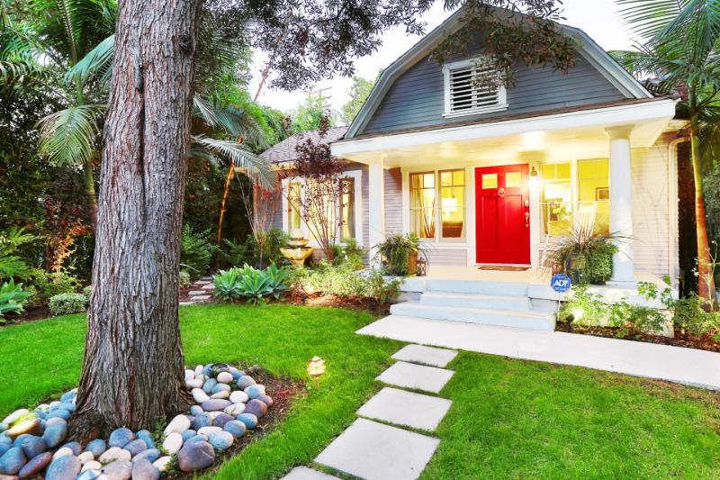 Exterior | West Hollywood Cottage | Luxury Vacation Rental by Owner - WestHollywoodCottagecom - West Hollywood - rentals