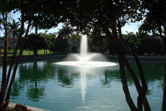 Vista Verde North Fountain - Palm Trees & Coastal Breezes! Endless Fun on Isla - Saint Petersburg - rentals