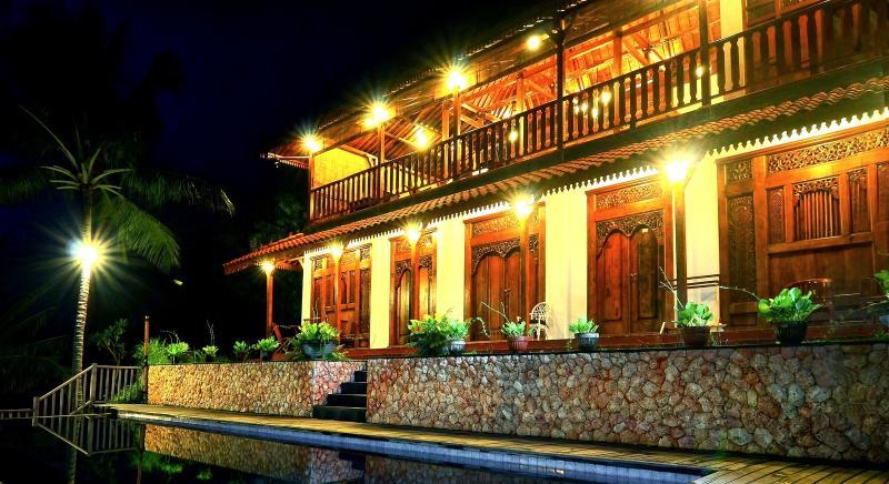 4 Bedroom Javanese Villa with Seaview - Image 1 - Mataram - rentals
