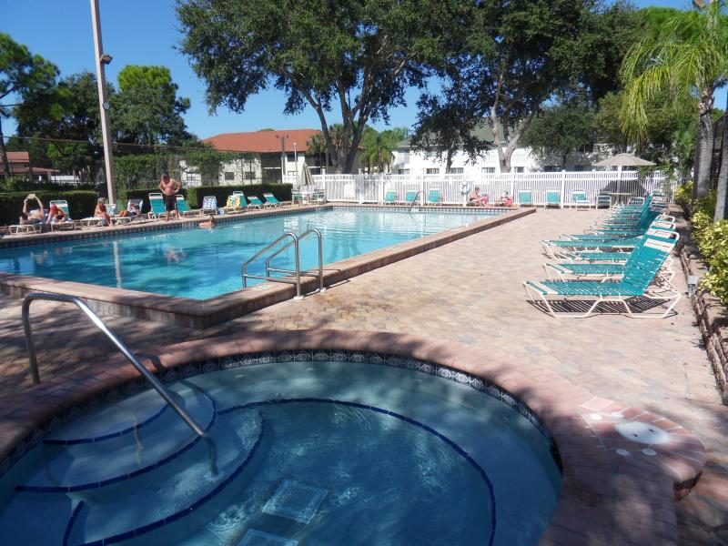SHOREWALK VACATION VILLA - Image 1 - Bradenton - rentals
