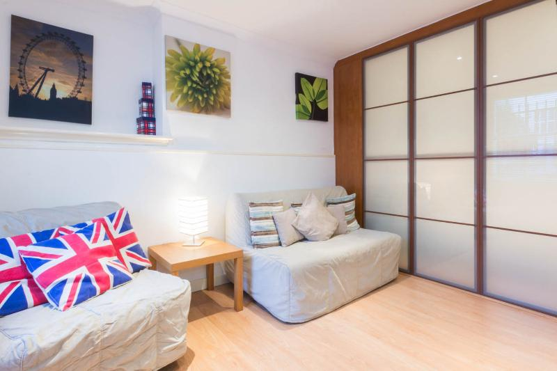 Ideal 1 Bedroom London Apartment - Image 1 - London - rentals