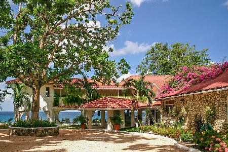 Beachfront Golden Clouds- private beach, 2 freshwater pools & full staff - Image 1 - Oracabessa - rentals