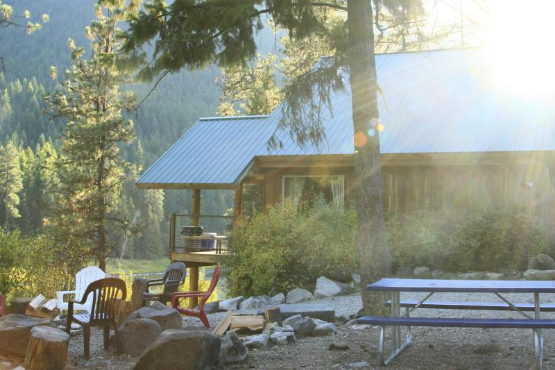 House and river view - Clark Fork River Lodge - St. Regis - rentals
