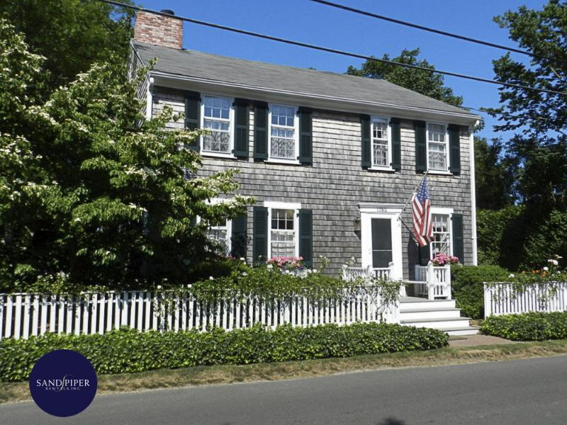 #105 - Classic Edgartown w Modern Amenities - Image 1 - Edgartown - rentals