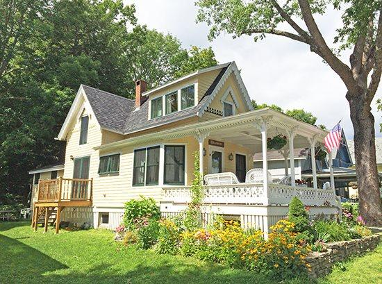 The Hillcrest Cottage is located right on Broadway in Bayside Village - HILLCREST COTTAGE - Town of Northport - Bayside Village - Lincolnville - rentals