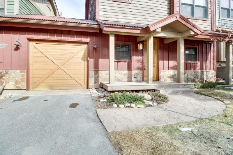 Riverquest Townhome with Private Hot Tub - Image 1 - Beaver Creek - rentals