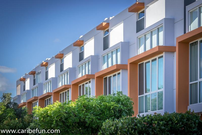 Camino del Mar, modern architecture in Combate Beach - Walk to the Beach Townhome AC, Sat, Wifi included! - Cabo Rojo - rentals