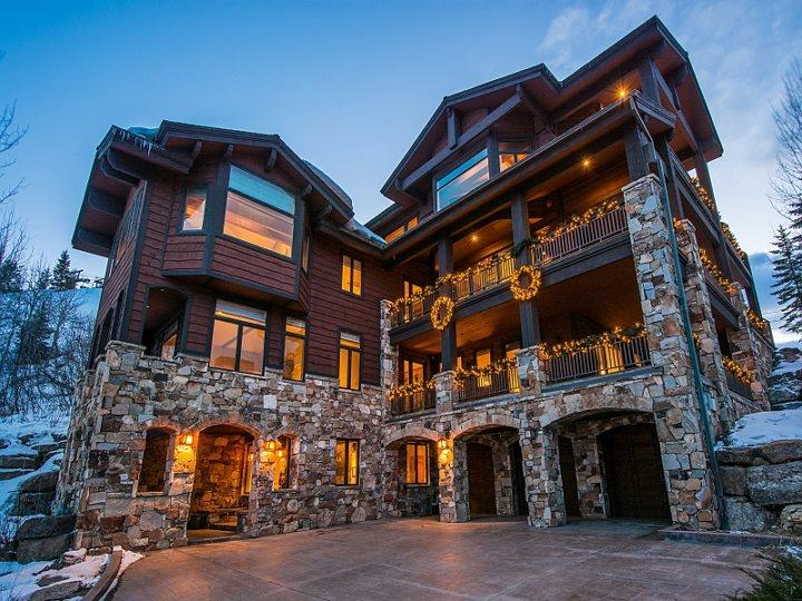 Chateaux du Mont in Deer Valley with Ski-In/Ski-Out Access and Private Outdoor Hot Tub - Image 1 - Park City - rentals