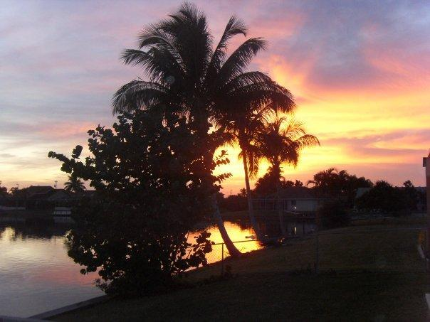 Evening view from the lenai - Wonderful Peaceful Lakeside Position, South Exposure, Great Fishing. - Cape Coral - rentals
