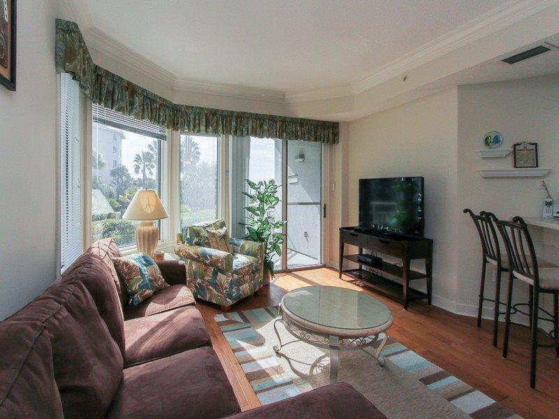 Large Living Area in 1102 Sea Crest on Hilton Head Island - 1102 Sea Crest - Hilton Head - rentals