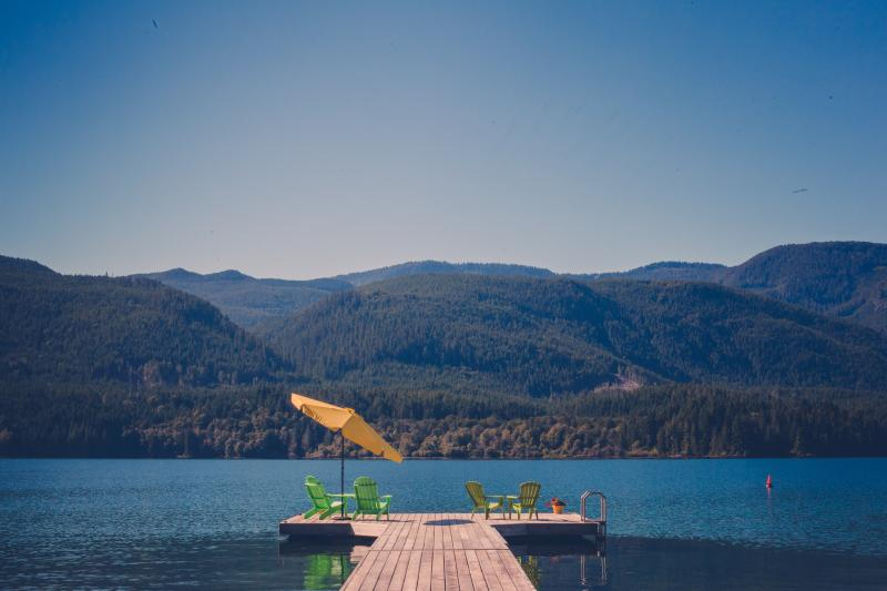 View of the new wharf in Summer - Serenity Woods at Sproat Lake, Port Alberni, BC - Port Alberni - rentals