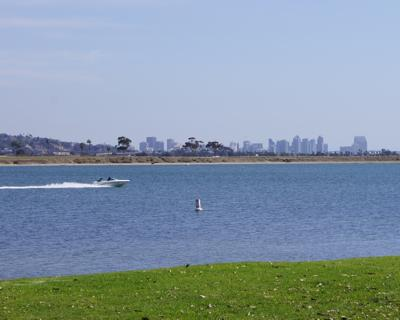 Boating on Mission Bay - Cottage - Peek View of Mission Bay, WiFi, Bikes - Pacific Beach - rentals