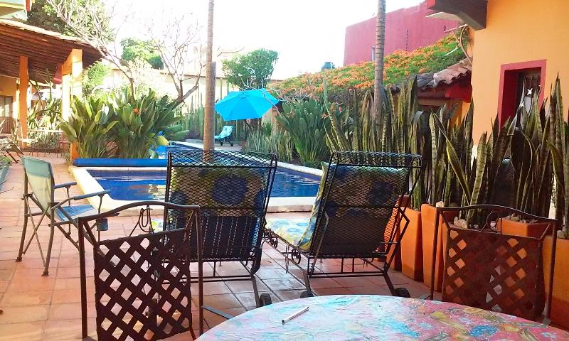 All five bungalow enjoy their own poolside patio. This is the Villa del Sol's. - Villa with Pool & Gardens in Historic Center - Oaxaca - rentals