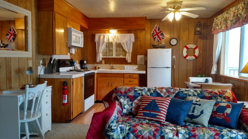 Moonraker -Oceanfront, Private Balcony, Fireplace - Image 1 - Lincoln City - rentals