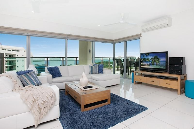 Stylish Lounge with view to Balcony - Beachlife Coral- Sleep up to 8 with Stunning Views - Darwin - rentals