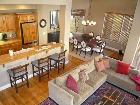 Two story living room  - Central Park Condo #13, Charming Condo on Wood River Drive with Central Air Conditioning - Ketchum - rentals