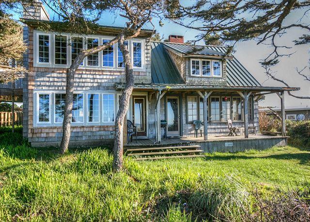 Dowd House--R258    Waldport Oregon High bank vacation rental - Image 1 - Waldport - rentals