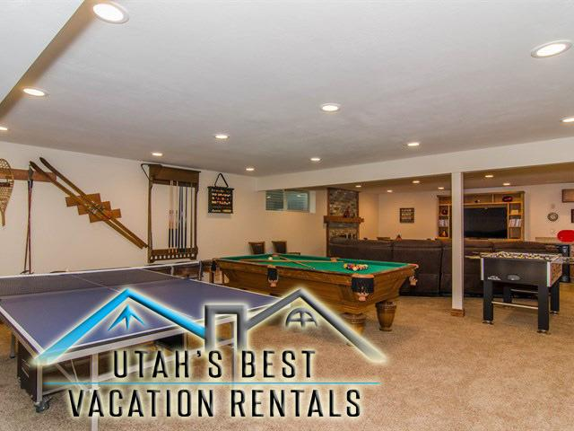Large basement family rec room with billards, ping pong, foosball, sectional, TV, kitchenette - Mins to BYU! Family Retreat w/ Sunroom,Games & Fun - Provo - rentals