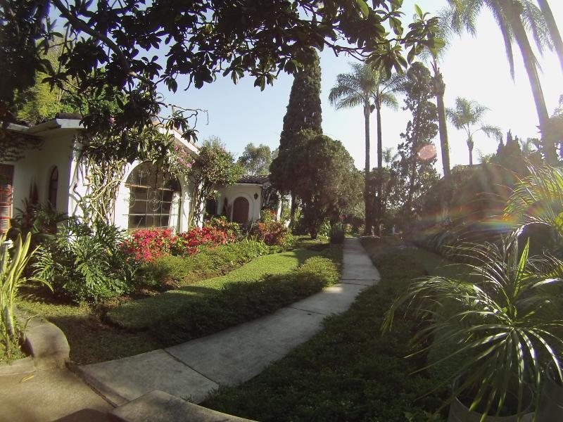 Villa El Nido-Fabulous Vintage Mexican Style Casit - Image 1 - Cuernavaca - rentals