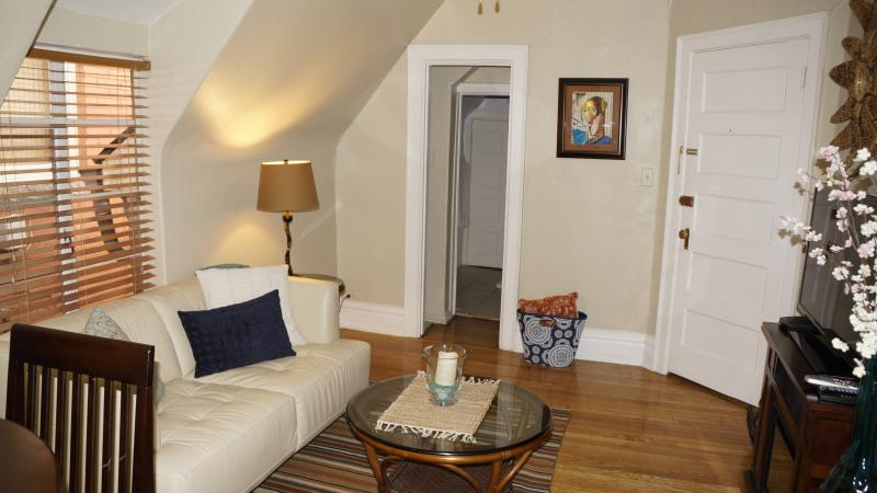 Affordable charming Uptown apartmnt 3 Top Location - Image 1 - Denver - rentals