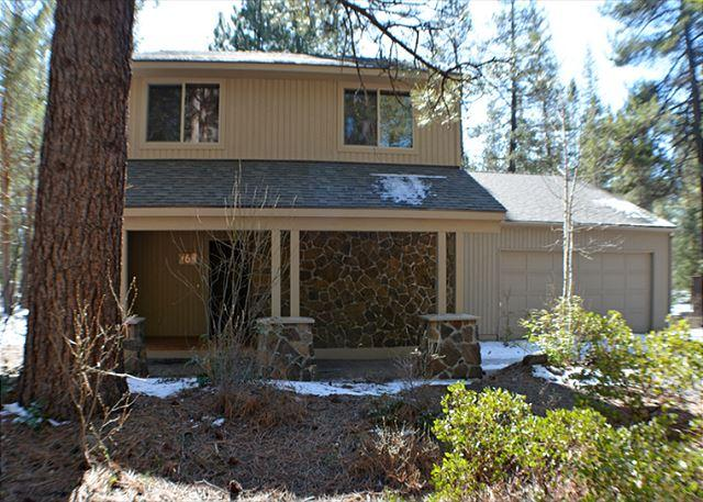 Close to the Sunriver Village Mall, 10 Unlimited SHARC Passes, 2 Masters - Image 1 - Sunriver - rentals