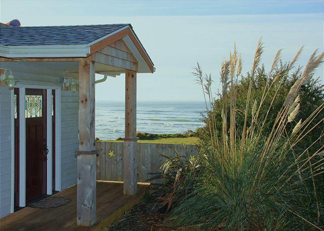 Ocean Front Vacation Home in Taft District, Private Beach Access - Image 1 - Lincoln City - rentals
