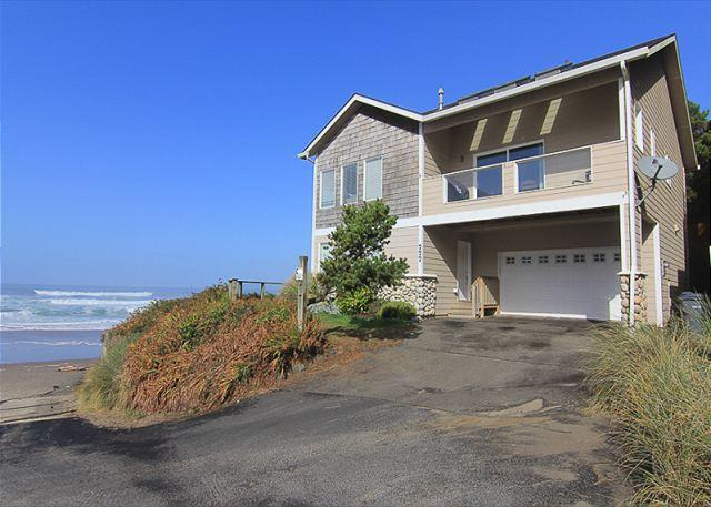 Ocean Front Home Directly On The Beach, Amazing Views & Great Amenities - Image 1 - Lincoln City - rentals