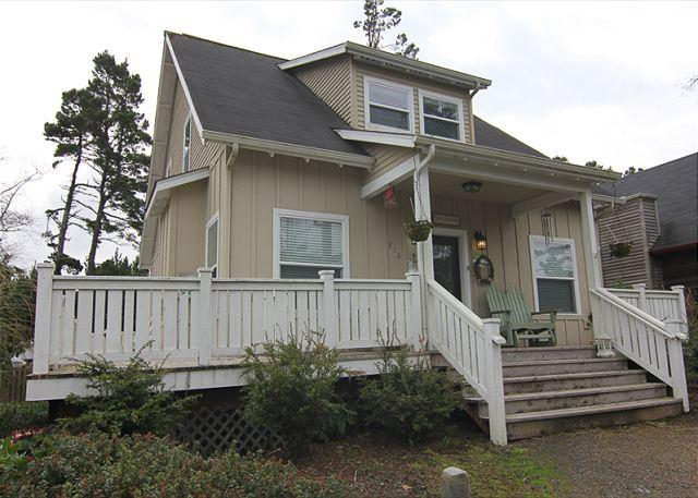 Beautiful Bella Beach Home w/ Great Amenities in a Family Friendly Setting! - Image 1 - Lincoln City - rentals