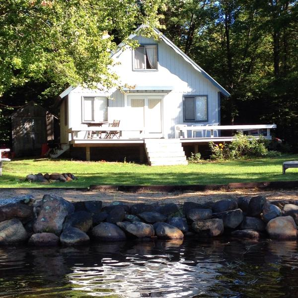 Lake side summer cottage - Image 1 - New Hampshire - rentals