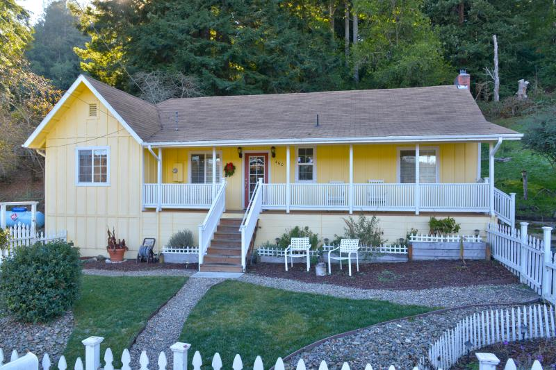 Freestone Cottage circa 1870 - Recently remodeled - Luxury Cottage In Sonoma Wine Country - Near Coast - Sebastopol - rentals