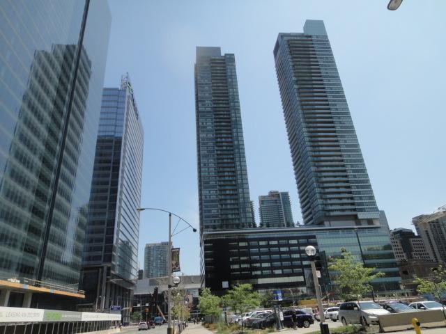 Downtown 2 Bedrooms Condo, next to harbour - Image 1 - Toronto - rentals