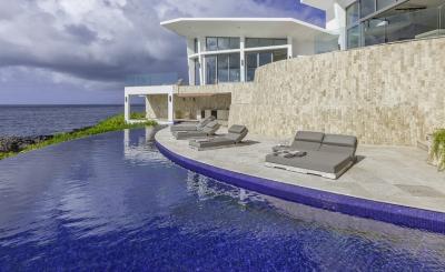 Delightful 4 Bedroom Villa in Blackgarden Bay - Image 1 - Crocus Hill - rentals