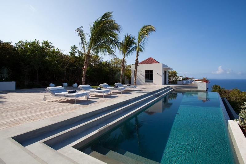 Spacious 4 Bedroom Villa with private Deck and Pool in Gouverneur - Image 1 - Gouverneur - rentals