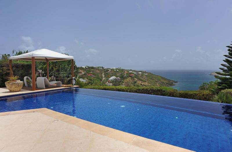 Sensational 3 Bedroom Villa Overlooking the Ocean in Marigot - Image 1 - Marigot - rentals