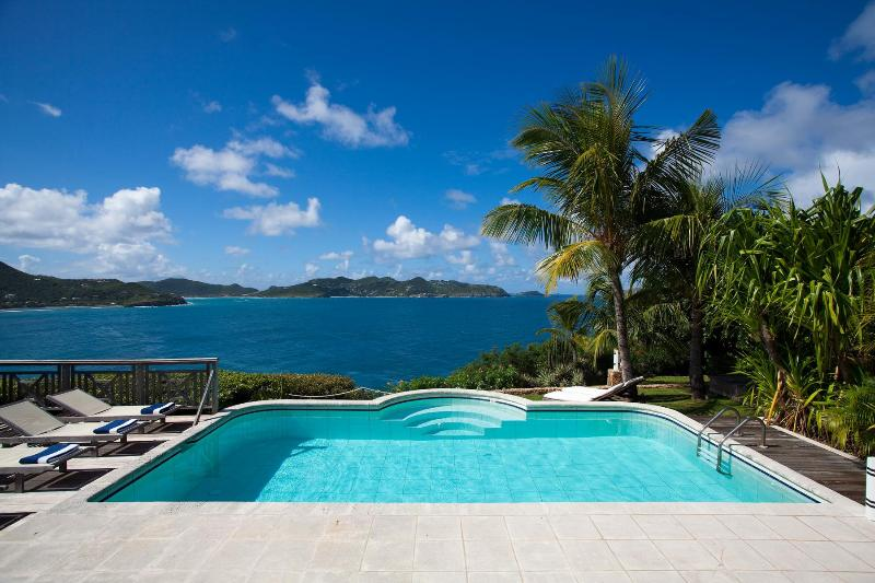 2 Bedroom Villa with Private Pool & Deck in Pointe Milou - Image 1 - Pointe Milou - rentals