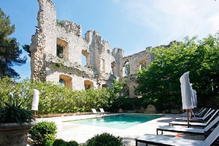 Elegant Chateau D Aix features pool, chapel, tennis, 12 acres of garden & maid service - Image 1 - Aix-en-Provence - rentals