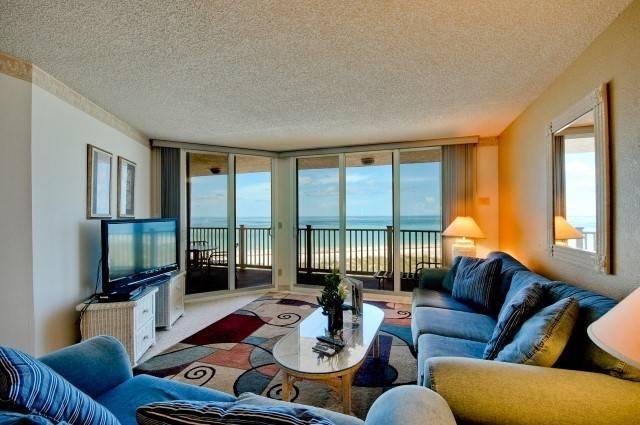 Living Room - Anna Maria Island Club 26 - Bradenton Beach - rentals