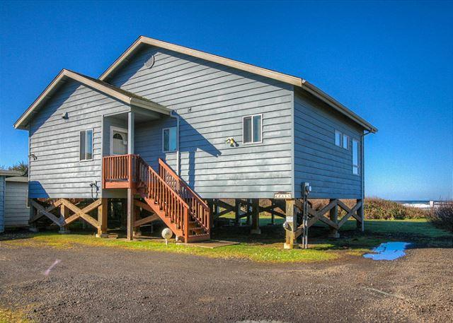 Payn House entry - Payn House--R505 Yachats Oregon ocean front vacation rental - Yachats - rentals