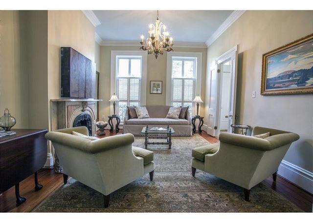 Luxury one bedroom home on a beautiful block of Gordon Street - Image 1 - Savannah - rentals