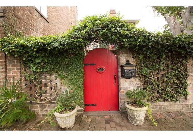 Historic home with a beautiful courtyard and koi pond - Image 1 - Savannah - rentals