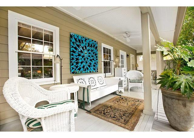Main house and garden apartment with large courtyard - Image 1 - Savannah - rentals