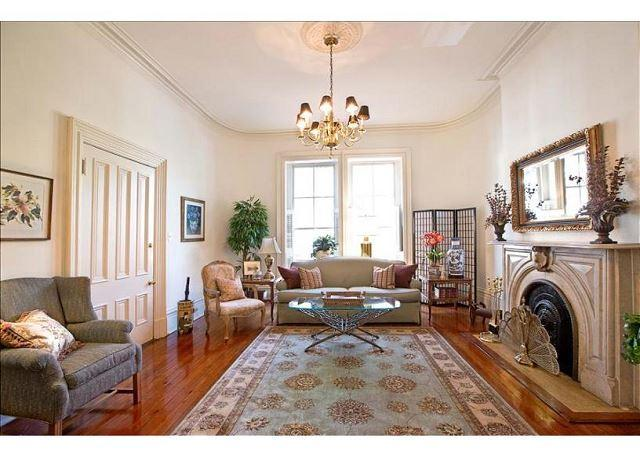 Home above Mrs. Wilkes restaurant with a King bed - Image 1 - Savannah - rentals