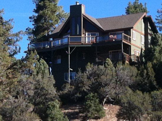 Back of the cabin - Morningstar Cabin Lodge a retreat for the best of times a roomy, fantastic and impressive Big Bear Vacation Cabin. - Big Bear Lake - rentals