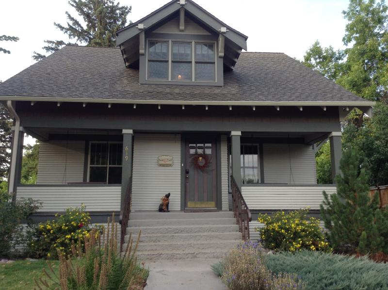 Welcome to Black Dog Hideaway. Only 2 blocks from Main Street! - The Black Dog Hideaway - Bozeman - rentals