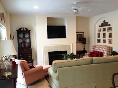 Living Room - 20% Spring Week, 4 Bdrm House with Pool, Beach - Hilton Head - rentals